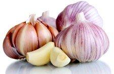 9 tips caseros para quitar el olor a ajo
